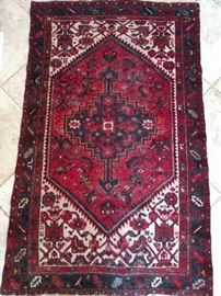 "Vintage Persian Heriz rug, 100% wool face, hand Woven, Measures 3' 10"" x 6' ."