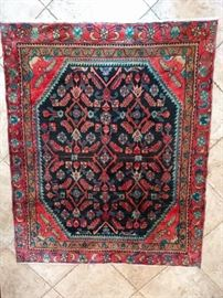 "Pretty vintage persian Arak rug, hand woven, 100% wool face, measures 4' 8"" x 6'."
