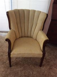 Wonderful tufted chair!