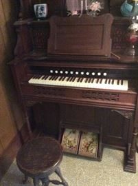 1800's Eastlake Pump Organ in Excellent Condition