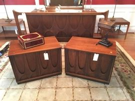 Vintage Mid Century Modern Pair Nightstands -some damage to finish