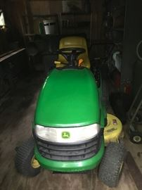 John Deere Riding Lawn Mower 120 Automatic
