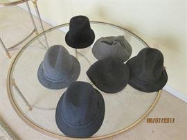 MEN'S HATS SIZE 71/2