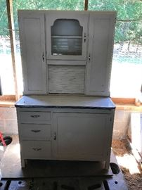 Nice hosier cabinet with flour sifter