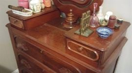1900s dresser with mirror
