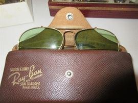 Vintage Ray-Ban Aviator sun glasses
