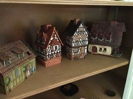 English Pottery Thatch Cottages - Votives