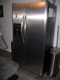 Frigidaire side by side