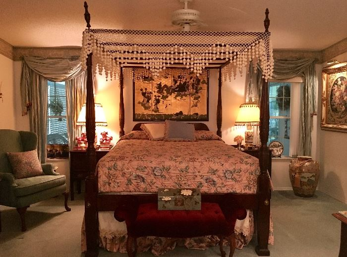 Drexel Chippendale Canopy Bed (Queen)