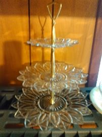 CRYSTAL 3 TIER PLATE