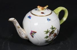 Lot 1: Herend Porcelain Teapot in Rothschild Pattern