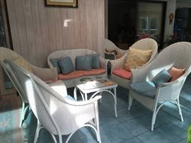7 piece wicket set with cushions & pillows