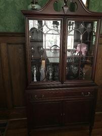 Lammerts Furniture Company Mahogany Hutch