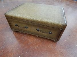 Suitcase style coffee table