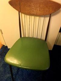 A Pretty Fab Mid-Mod Chair!...