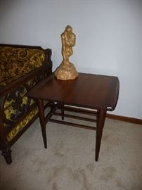 WOOD END TABLE, STATUE