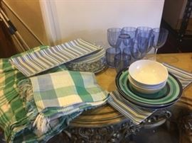 Outdoor tableware with tablecloths