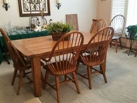 Attic Heirlooms by Broyhill dining room table with 2 leaves, 6 chairs.