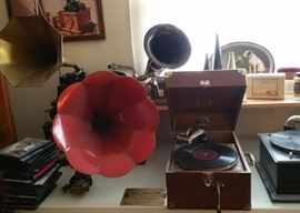 Antique phonographs include: Victor talking machines, Thomas Edison and Columbia Graphophones, Disc Phongraphs, additional horns and other accessories.
