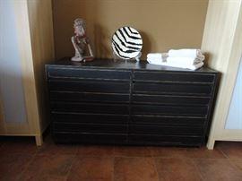 Sligh 8-drawer dresser