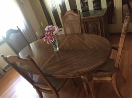dining room table chairs hutch