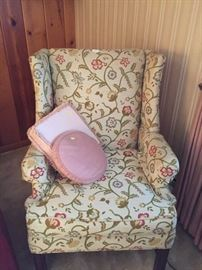 Gorgeous chair!!