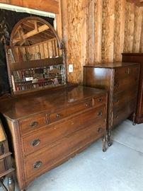 Vintage dresser/mirror & chest of drawers