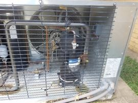 Condensing unit for Bally walk in Freezer, clean and running great.