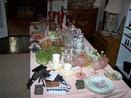 DEPRESSION GLASS & OTHER SMALL ITEMS