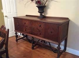 MATCHING BUFFET TO THE DINING ROOM SUITE