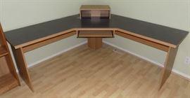 KDO013 Executive Corner Desk Unit