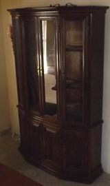 FVM006 Vintage Ethan Allen Classic Manor Maple Glass Cabinet Hutch