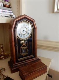ROSEWOOD BEEHIVE MANTEL CLOCK WITH MERCURY PENDULUM