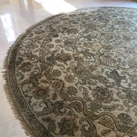 Large round Wool Rug in Entry -