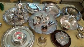 Miscellaneous silverplate serving pieces.
