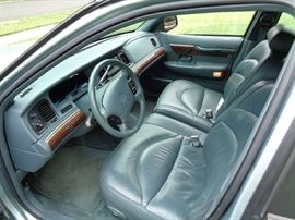 Leather with Luxury extras. Perfect interior!