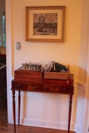 Small Table, Art and Decorative Items