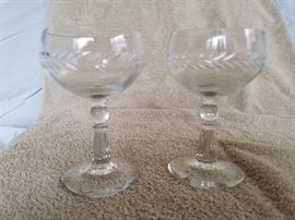 Wine glasses Laurel Wreath design