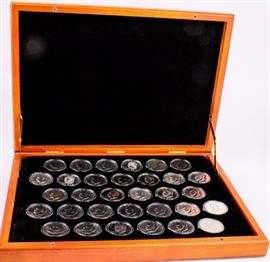 Lot 43a - Coin Eisenhower Ike Dollar Collection Deluxe Case
