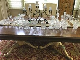 """White"" Dining Room Table ~ Comes with 8 Chairs & 3 Leaves (check out the table's legs), Crystal"