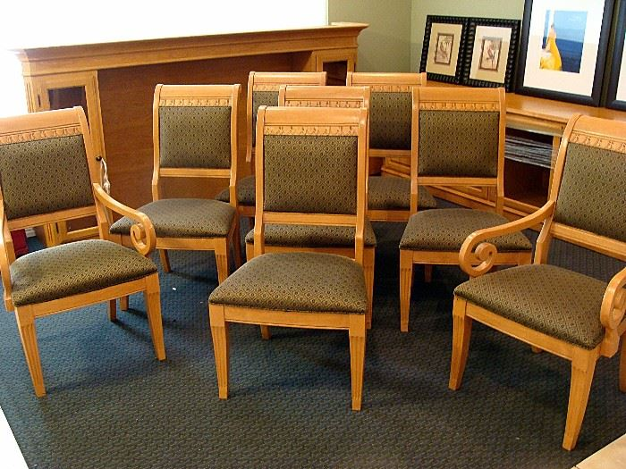 Set of eight dining chairs in excellent condition