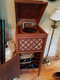 Vintage Pathe Phonograph Works Great plus records