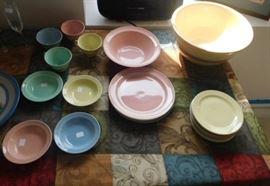 Lu-Ray Pastels dish set