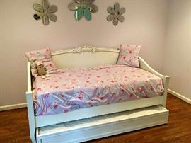 Pottery Barn Kids/Teen Trundle Daybed