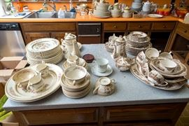 Johnson Brothers china - Old Britian Castles - -so pretty