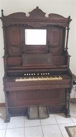 Hamilton Pump Organ