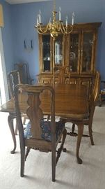 """French Country Oak dining room table with 6 chairs and two 15"""" leaves   64""""x 45""""   $250"""