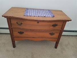 2 drawer chest