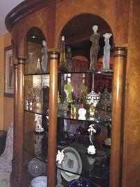 HENREDON china display cabinet