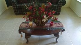 coffee table Queen Anne 30